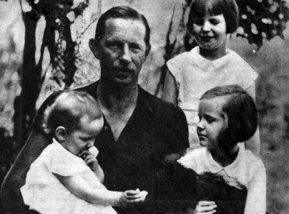 Left to right: in photo Ellen(infant) Louie, Anne (standing) Hope (kneeling)